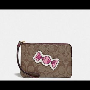 NWT Coach candy print wristlet!! PRICE FIRM 🍭